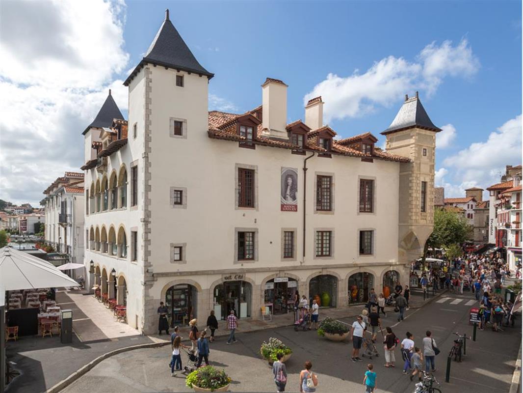 visite laissez vous conter l 39 tape royale saint jean de luz sortir bayonne pays basque. Black Bedroom Furniture Sets. Home Design Ideas